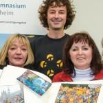 """Übergabe des """"Goldenen Buchs der Fastelovendzög"""" an das Herder-Gymnasium"""