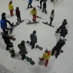 Sportkurse im Schnee-Gestöber